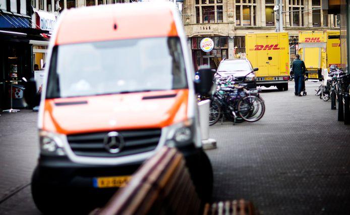 Bestelbusjes komen dagelijks in iedere straat in Nederland. Flitsmeister denkt een deel van de bezorgmarkt in handen te kunnen krijgen door haar app-gebruikers als koeriers in te zetten.