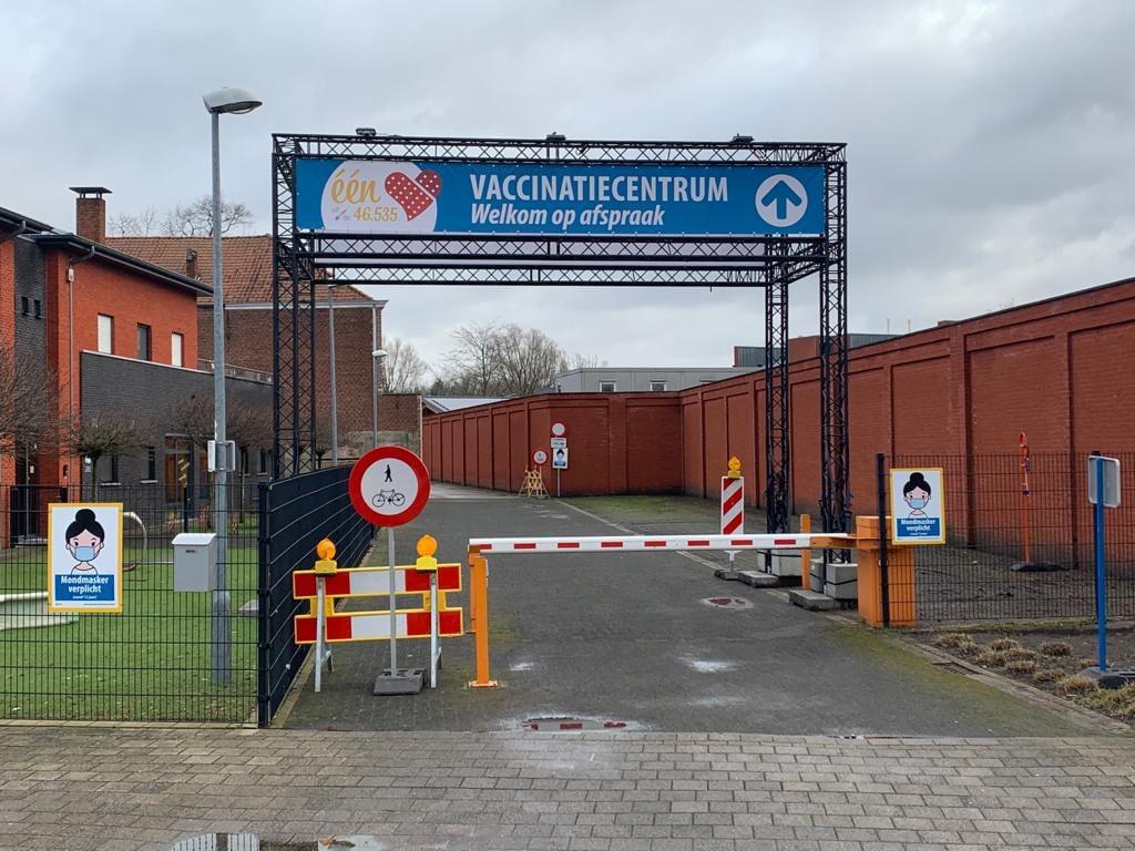 Vaccincatiecentrum De Zwaan in Mol.