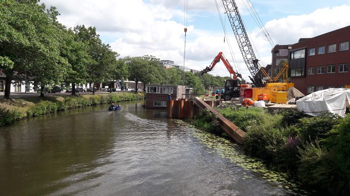 Werk aan de stadsverwarming aan de Nijverheidssingel in Breda in 2020.