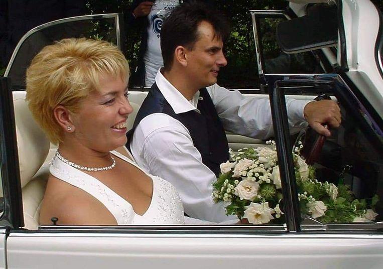 Annelies en Raymond Hilgersom op hun trouwdag. Beeld Annelies Hilgersom