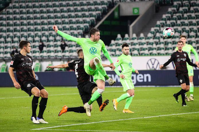 Wolfsburg loopt weg met spits Wout Weghorst en wil hem een beter contract aanbieden. Hij is bezig aan zijn derde seizoen bij de club en eindigde steeds in de top 3 van topscorers.