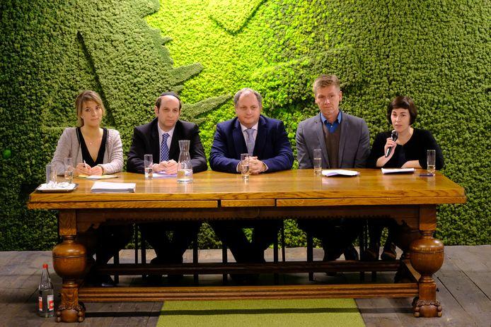 Het college van het district Antwerpen. V.l.n.r.: Charlie Van Leuffel, Samuel Markowitz, Paul Cordy, Tom Van den Borre, Femke Meeusen