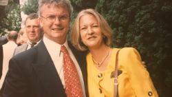 Sally vermoordde haar tirannieke echtgenoot: tien jaar later erft ze ruim een miljoen na historisch besluit