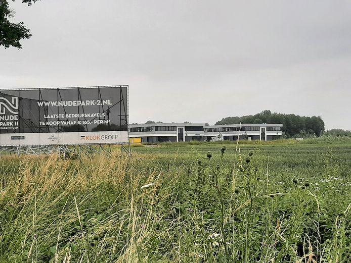 Het zonnepark komt naast de eerste fase van bedrijventerrein Nudepark 2.