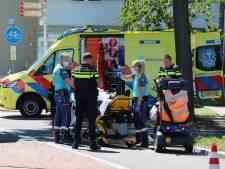 Scootmobieler gewond naar ziekenhuis na aanrijding met vrachtwagen op Loevesteinlaan