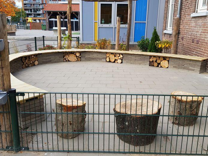 Kinderen op de Teresiaschool in Waalwijk kunnen straks ook buiten les krijgen.