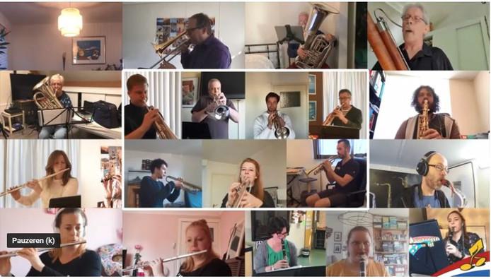 De leden van het Vierdaagse Orkest zijn 'een voor allen en allen voor een' vanuit de eigen huiskamers.