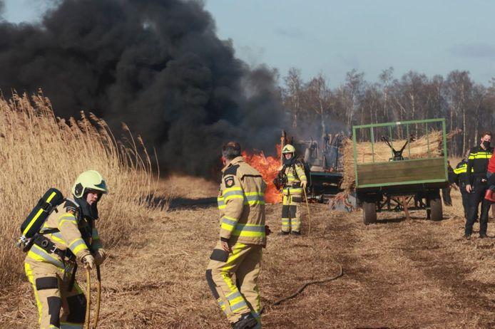 Brand in landbouwvoertuig bij Muggenbeet.