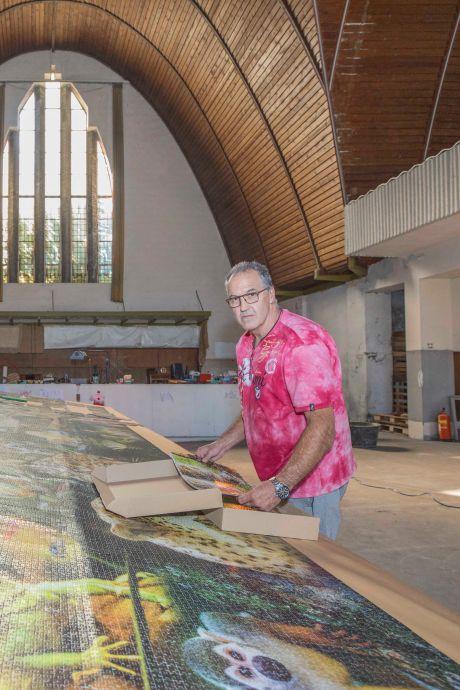 Nu is-ie écht klaar: de zeven meter lange puzzel van Jos is te zien in Rilland