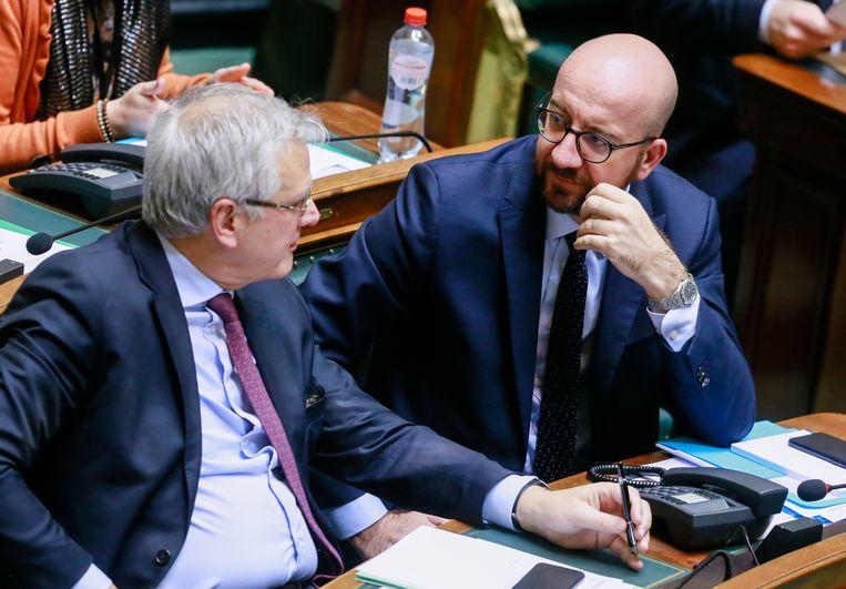 Vicepremier Kris Peeters (CD&V) naast premier Michel in de Kamer vandaag.