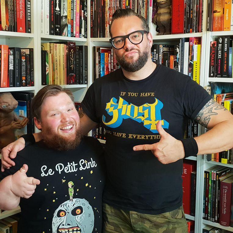 Stand-upcomedians William Boeva en Alex Agnew. Agnew interviewde Boeva voor zijn podcast. Beeld WTTAA