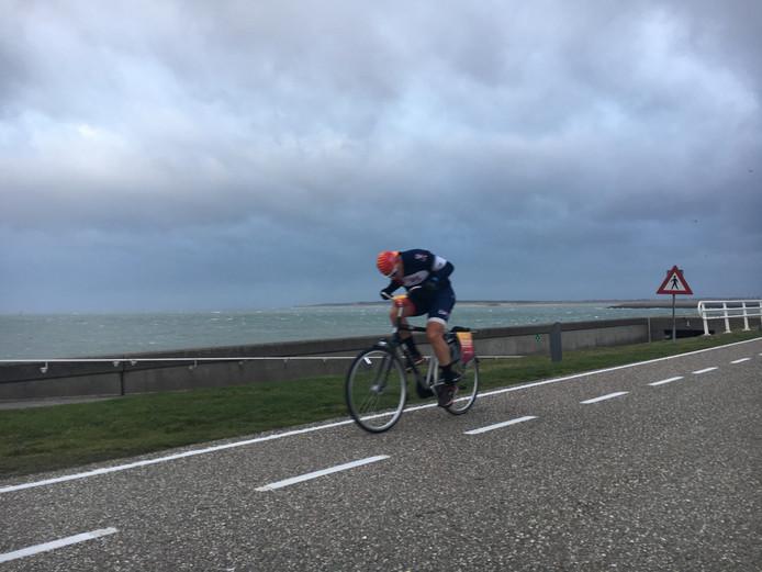 Sander Spoolder tijdens het NK Tegenwindfietsen