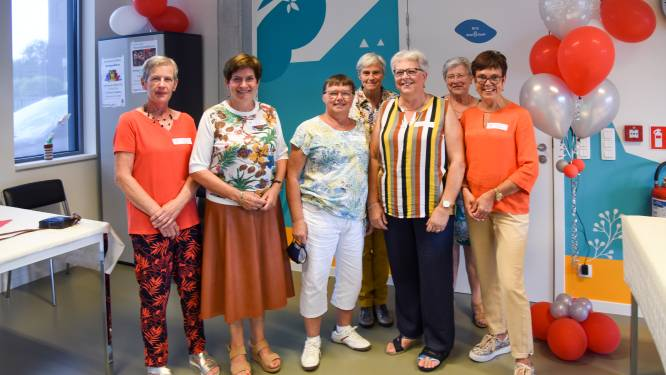 Vrijwilligers Wiegwijs vieren 25-jarig bestaan