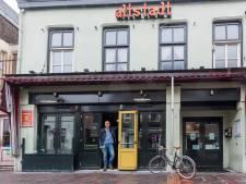 Café Altstadt maakt doorstart, vriendengroep neemt muziekcafé over