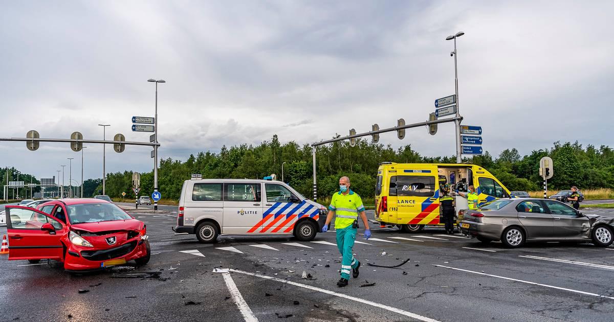Tilburg grijpt in na ongelukken: verkeerslichten op beruchte kruising krijgen bliksemafleiders.