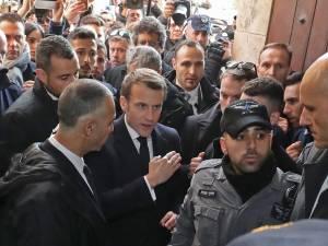 Macron s'énerve contre des policiers israéliens à Jérusalem, 24 ans après Chirac