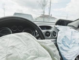 Man pleegt vluchtmisdrijf en wordt verklikt bij de politie door... eigen auto