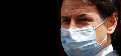 """L'apéro de retour en terrasse, le Premier ministre italien s'inquiète: """"Pas le moment pour la fête"""""""
