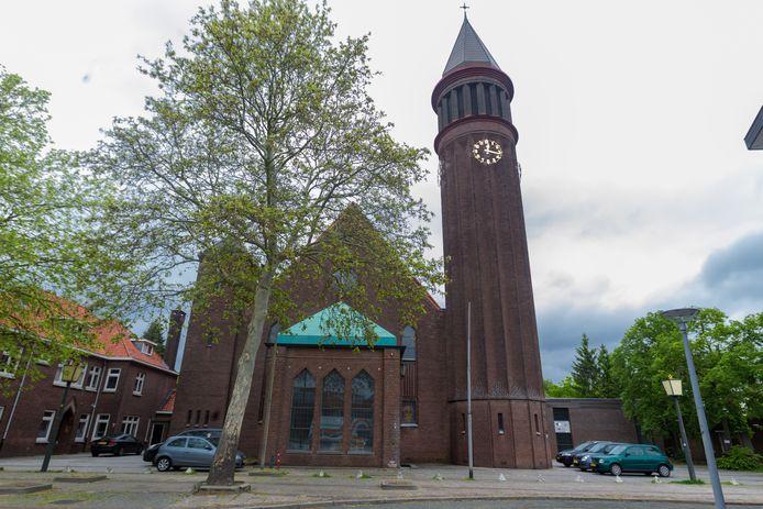 De Heilig Hartkerk (inmiddels al weer een jaar of 10 gesloten) in de Ploegstraat in Eindhoven moet omgebouwd worden tot game-, sport- en recreatiecentrum Mysteria