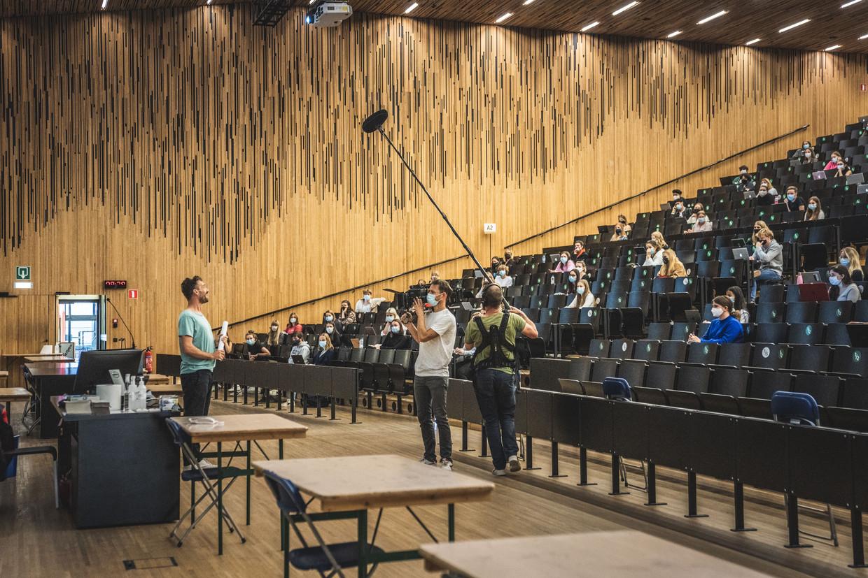 Universiteitsrectoren roepen studenten op om voorzichtiger te zijn dan volgens de Veiligheidsraad zou moeten.