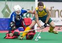 2013-06-23 ROTTERDAM - Matt Gohdes van Australie stuit op de Belgische keeper Jeremy Gucassoff tijdens de finale van de Hockey World League tussen de mannen van Australie en Belgie. Belgie won na shoot outs.