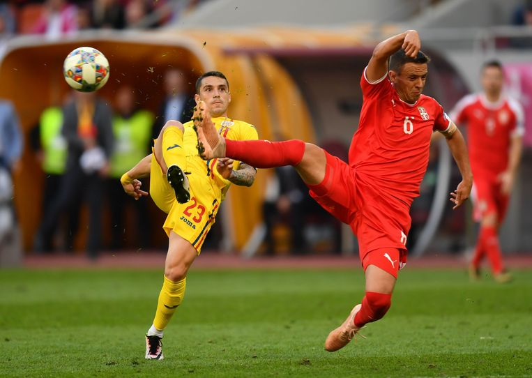 Stanciu speelde gisteren met Roemenië tegen Servië in de Nations League.