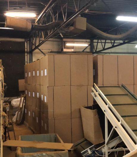 Acht Polen werkten onder erbarmelijke omstandigheden in illegale tabaksfabriek in Dronten (en dat komt ze duur te staan)