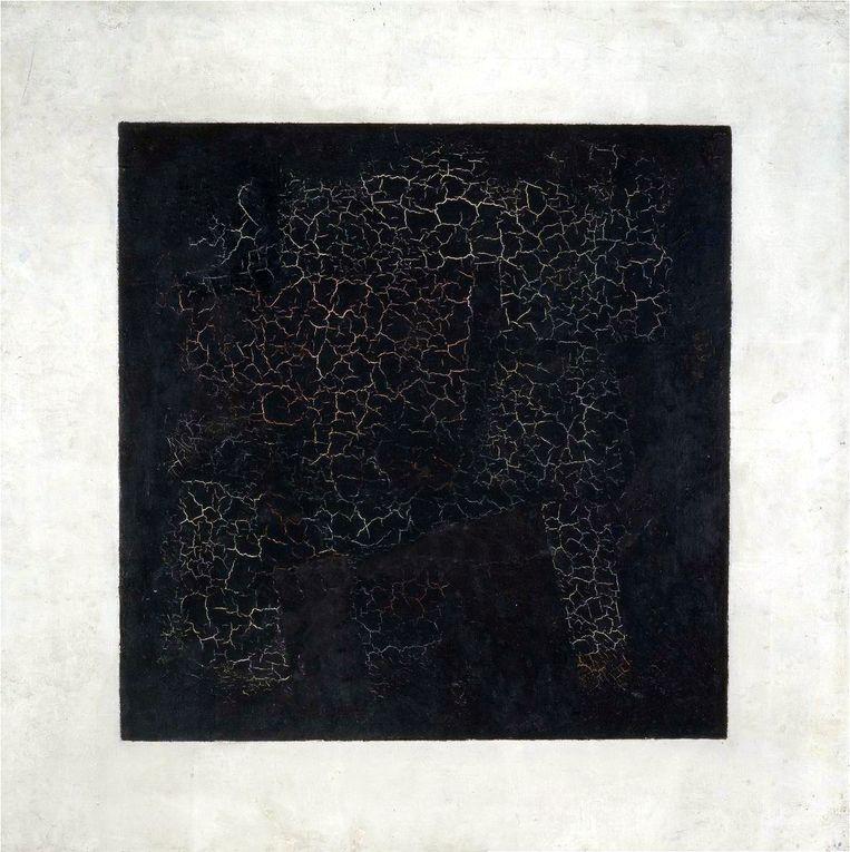 Russische kunstenaar Kazimir Malevitsj (1879-1935) schilderde vier versies van zijn 'Zwart vierkant' (1913). Ze hangen nu in musea in Moskou en Sint-Petersburg. Beeld Kazimir Malevitsj