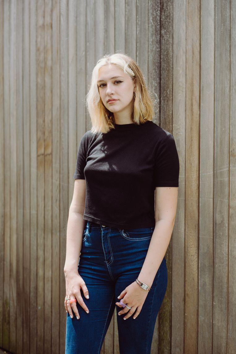 Eusebie: 'School zou een plek moeten zijn waar zelfontplooiing centraal staat, en dat gaat ook gepaard met experimenteren met kledij.' Beeld Wouter Maeckelberghe