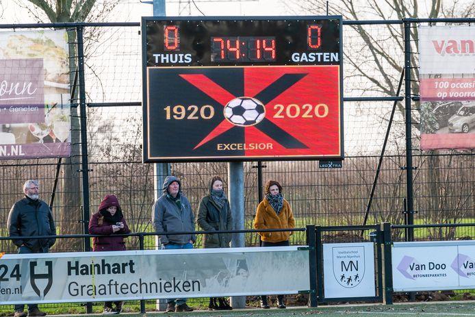 Excelsior Zetten - UNI vv. Nieuwe scorebord bij Excelsior Zetten. Excelsior Zetten - UNI vv