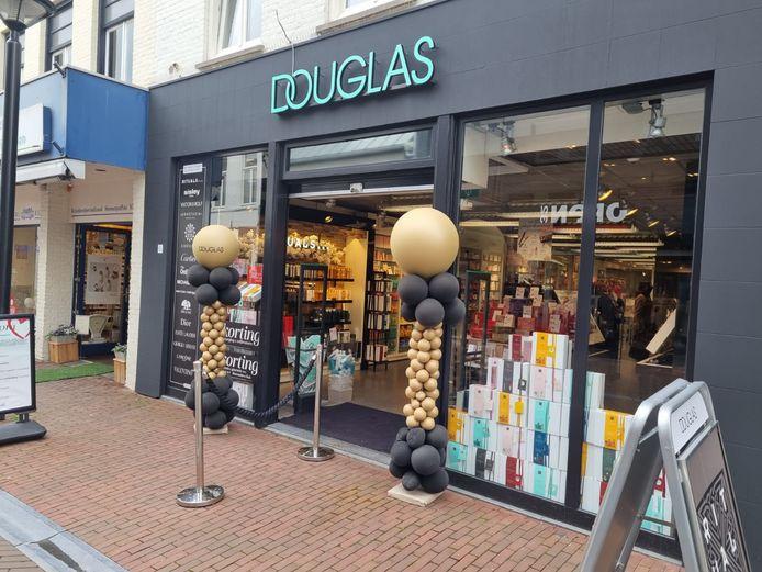 De nieuwe locatie van Douglas aan de Heuvelstraat