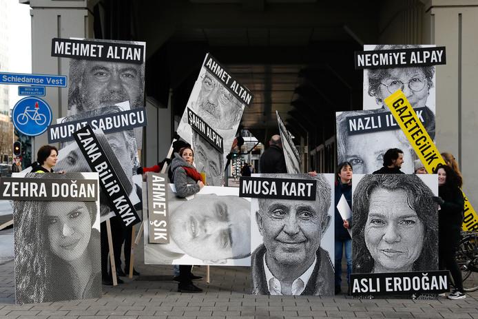 Amnesty voert al enige tijd actie om de Turkse journalisten vrij te krijgen.
