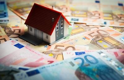 Tilburg betaalt per ongeluk 7600 euro teveel aan toeslag, vrouw vecht terugbetaling aan