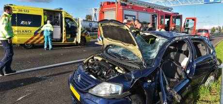 Auto slaat over de kop bij Etten-Leur: A58 tussen Rucphen en Breda-West weer vrij