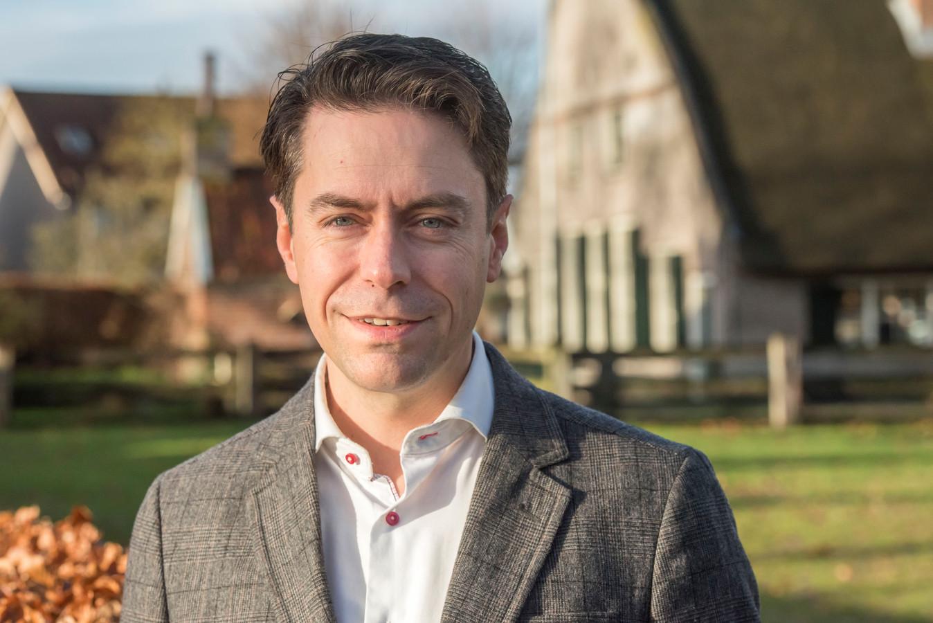 Chris Stoffer uit Elspeet is Kamerlid namens de SGP en ondertekende de Akte van Oost. Hij is de nummer twee van de SGP-lijst.