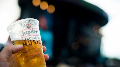 Schauvliege werkt aan verbod: laatste festivalseizoen met plastic bekertjes