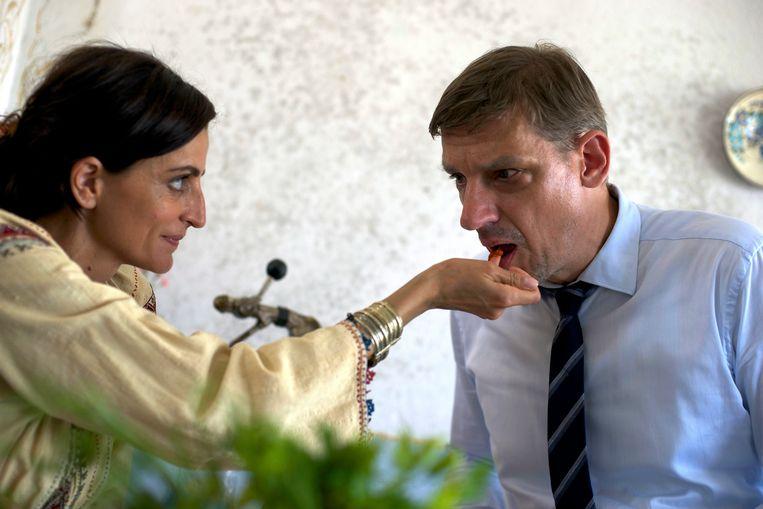 Peter Van den Begin en Nina Nikolina in King of the Belgians. Beeld rv
