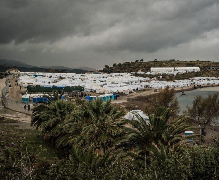 Het nieuwe kamp ligt pal aan de zee. Beeld nicola zolin