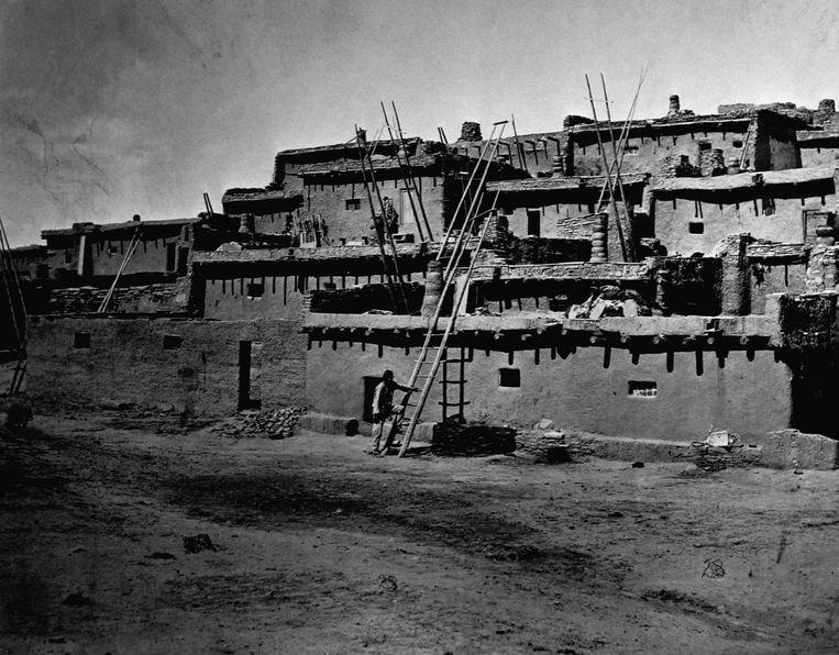 Zuni Pueblo, New Mexico, circa 1871-1874.  Beeld Getty Images