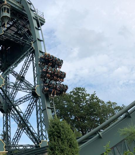 Eftelingattractie Baron 1898 valt uur lang stil op hoogte van 'om en nabij 30 meter'