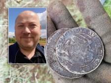 Oud-Zwollenaar Emile (48) ontdekt unieke zilverschat in Denemarken: 'Sommige munten 4000 euro waard'