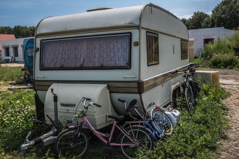 De caravans op het terrein in Almere-Oosterwold. Beeld Joris van Gennip