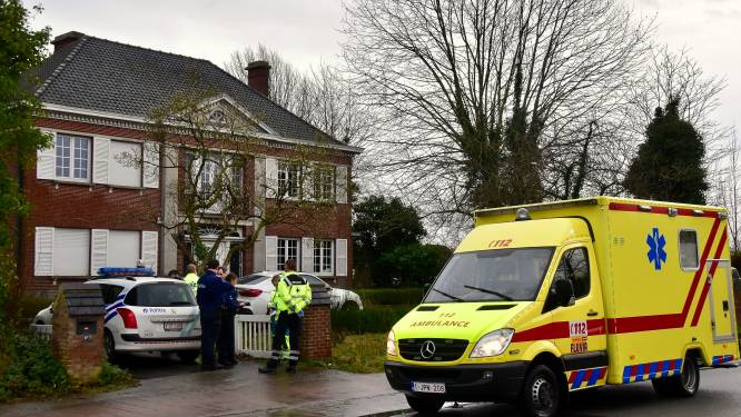 73-jarige vrouw kritiek na schietpartij aan woning: twee verdachten gevat