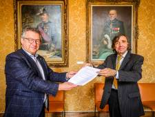 """""""Geef Jacques Brel ook in Brugge meer zichtbaarheid"""": initiatiefnemer trekt Vlaanderen rond met een missie"""