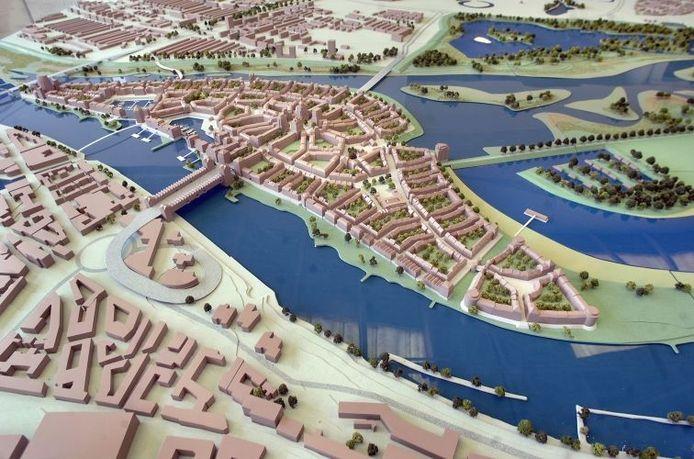 Maquette van het eilandconcept voor Stadsblokken-Meinerswijk van Phanos. foto Hans Broekhuizen/De Gelderlander