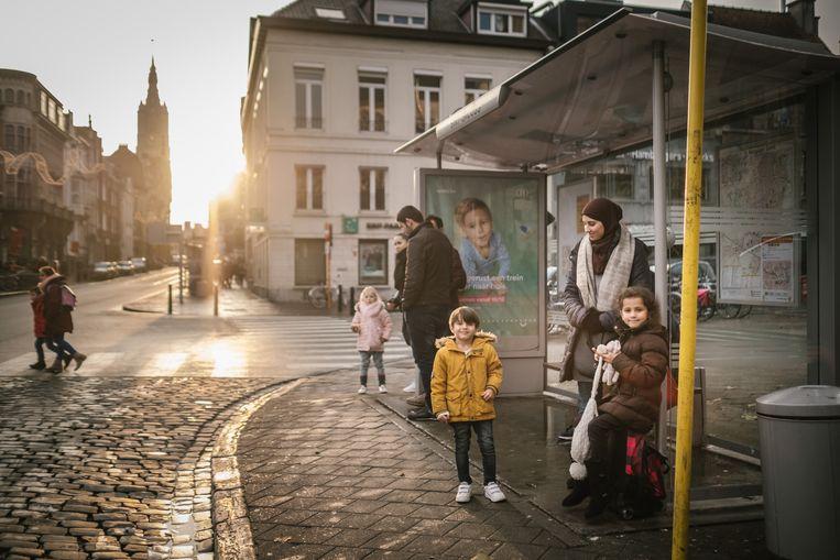 Een bushalte aan het Sint-Jacobsplein. Beeld Wouter Van Vooren