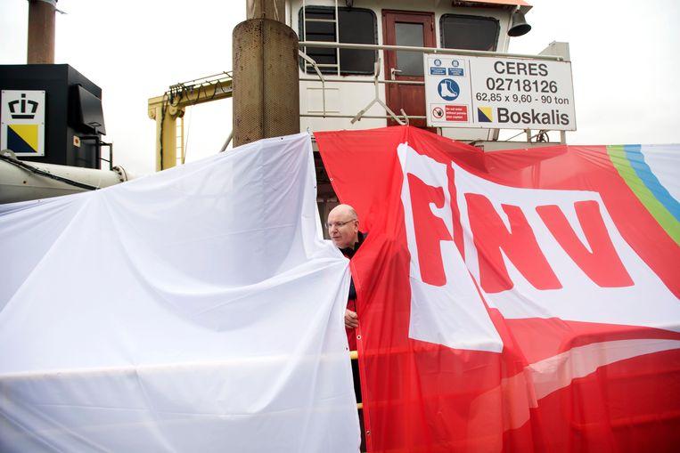 De FNV tijdens een actie in de haven van Rotterdam. Beeld ANP