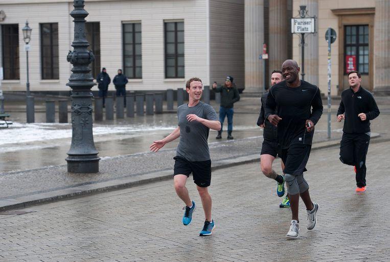Mark Zuckerberg aan het hardlopen in Berlijn. Beeld EPA