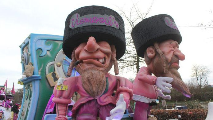 """Le char du carnaval d'Alost caricaturant des juifs orthodoxes assis sur des sacs d'or a suscité l'indignation de l'Unesco, qui a dénoncé mercredi une """"représentation antisémite"""" et appelé les autorités belges à réagir."""