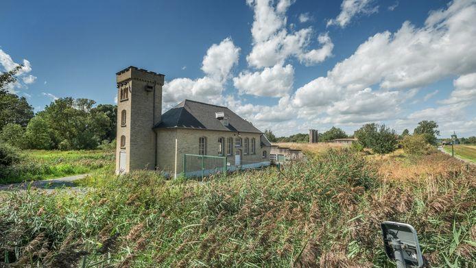 Het oude drinkwaterproductiecentrum van Zillebekevijver.